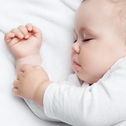 Overcoming 5 common sleep issues in little ones