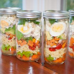 Mason jar salads: how to make them
