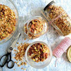 Recipe: Spiced almond and vanilla granola